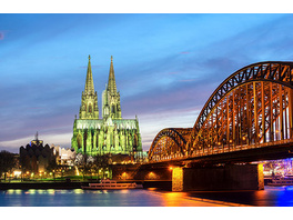 Erlebnistag: Candle Light Dinner & Fackel-Stadtführung in Köln für 2